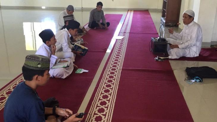 Persaudaraan Muslim Sedunia Perkenalkan Metode Hafal Qur'an Di SMK Permata Insan Kampung Ancol Cianjur
